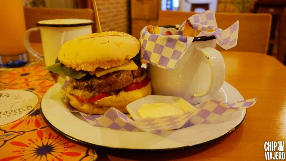 la-tumbamuertos-burger-bar-chip-viajero